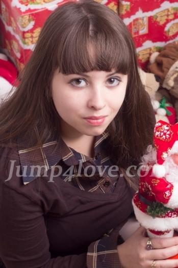 Ukrainian girl Galina,27 years old with brown eyes and light brown hair. Galina